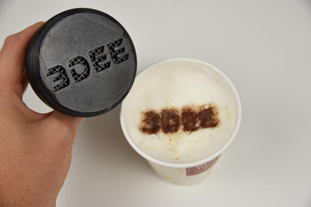 Kaffe mit Kakao Motiv von unserem Logo