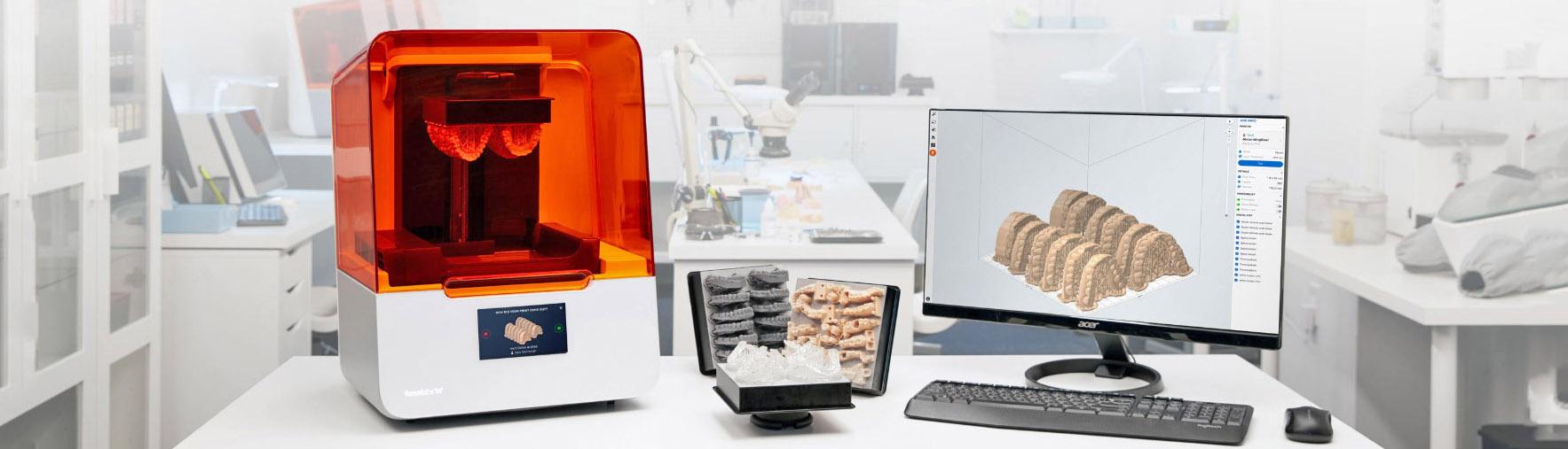 Form 3 Biokompatible 3D-Drucker mit Beispieldrucken und Computer
