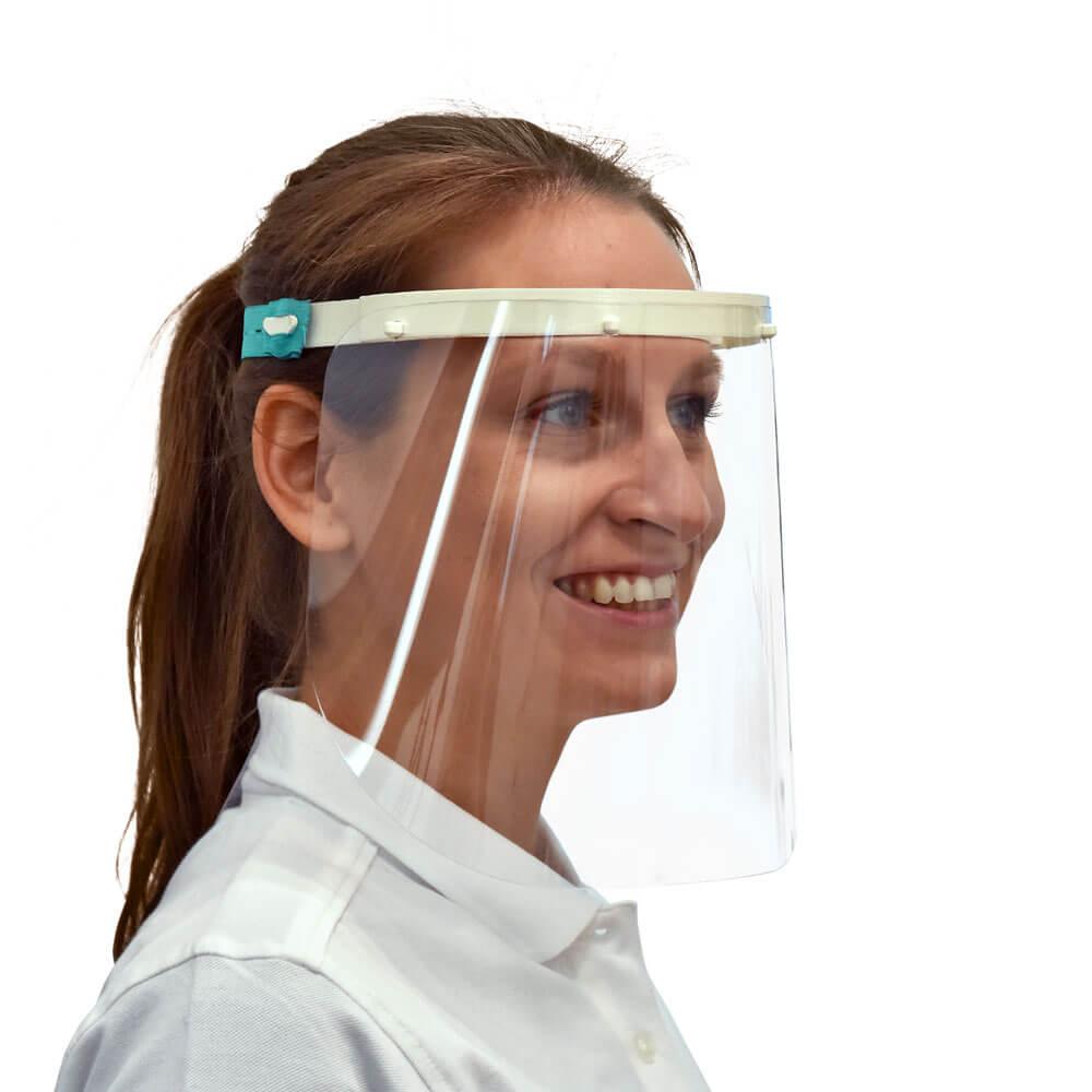 Foto mit 3D-gedrucktem Gesichtsschild von 3Dee auf weissem Hintergrund
